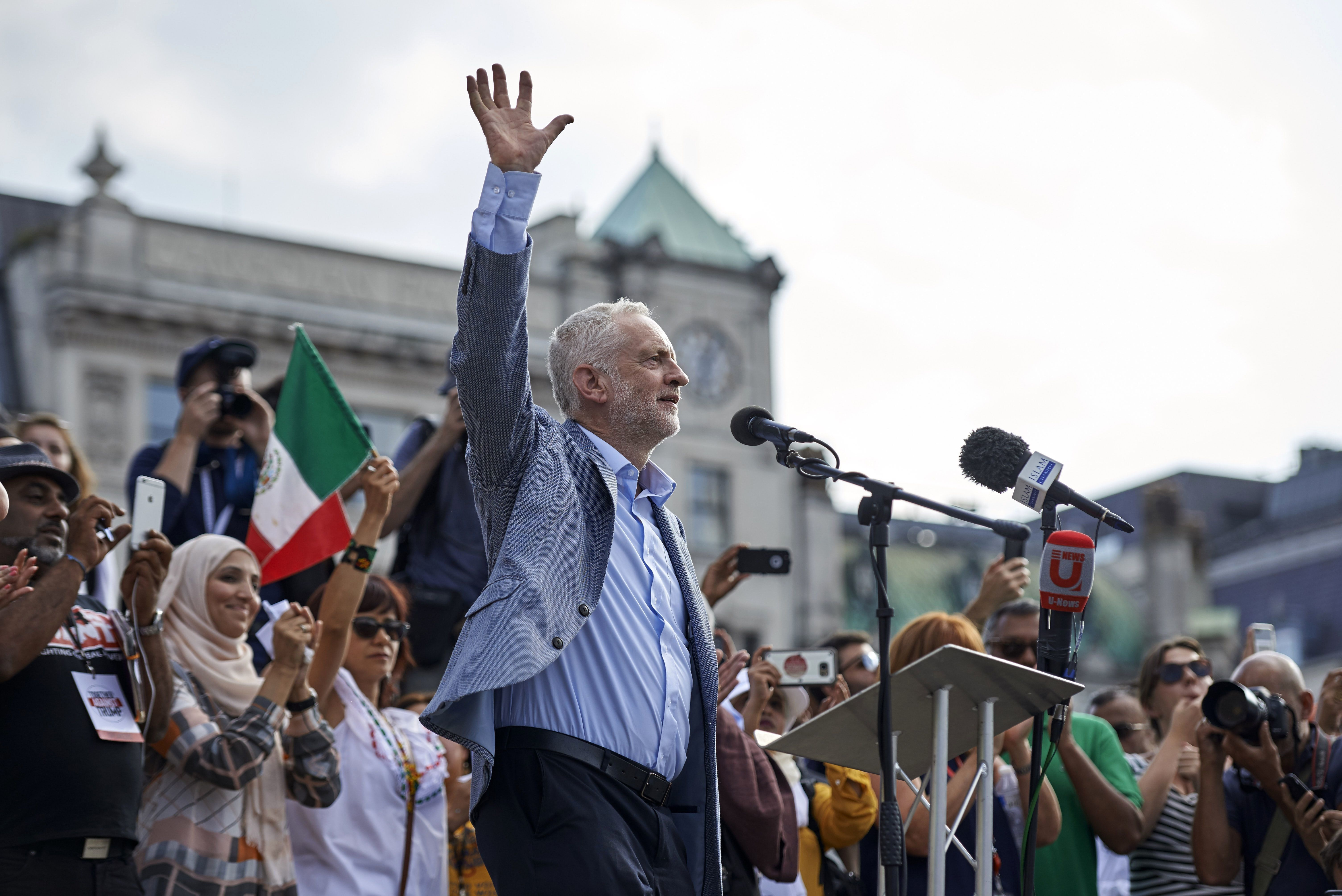 Daily Mail In 'Spectacular Self-Own' After Describing Corbyn As Leader Of Anti-Trump 'Rent-a-Mob'