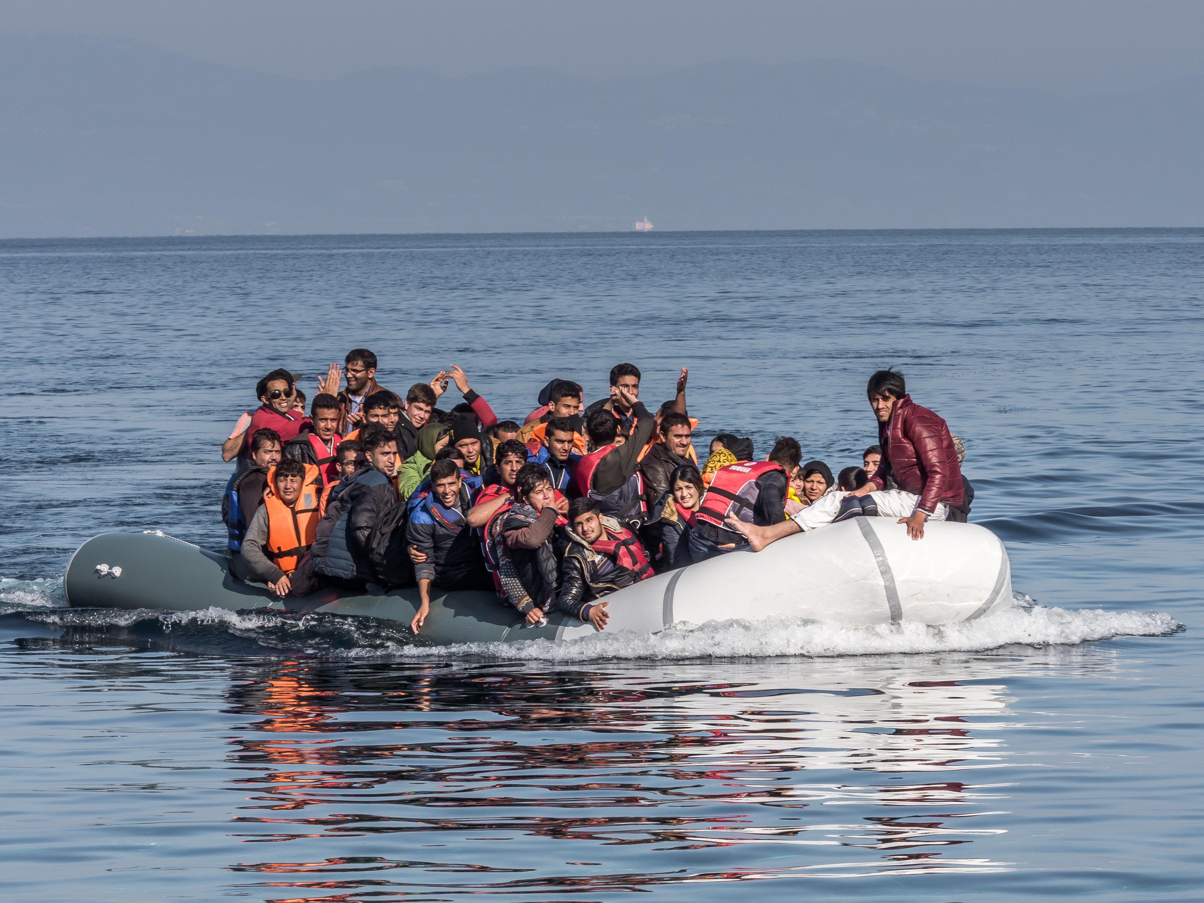 ΚΣΣΕ: «Απαιτούνται περισσότερες προσπάθειες για την υποδοχή των προσφύγων στα ελληνικά