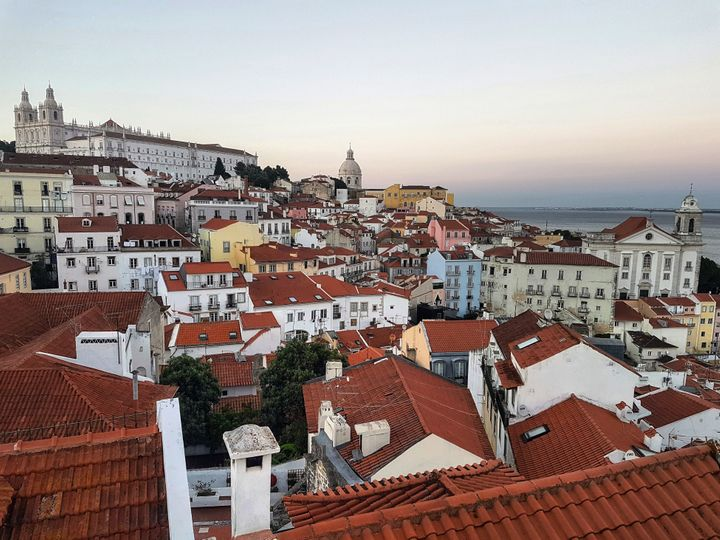 Η θέα από το Miradouro de Santa Luzia