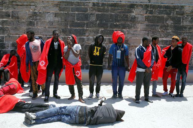 Plus de 300 migrants secourus au large des côtes