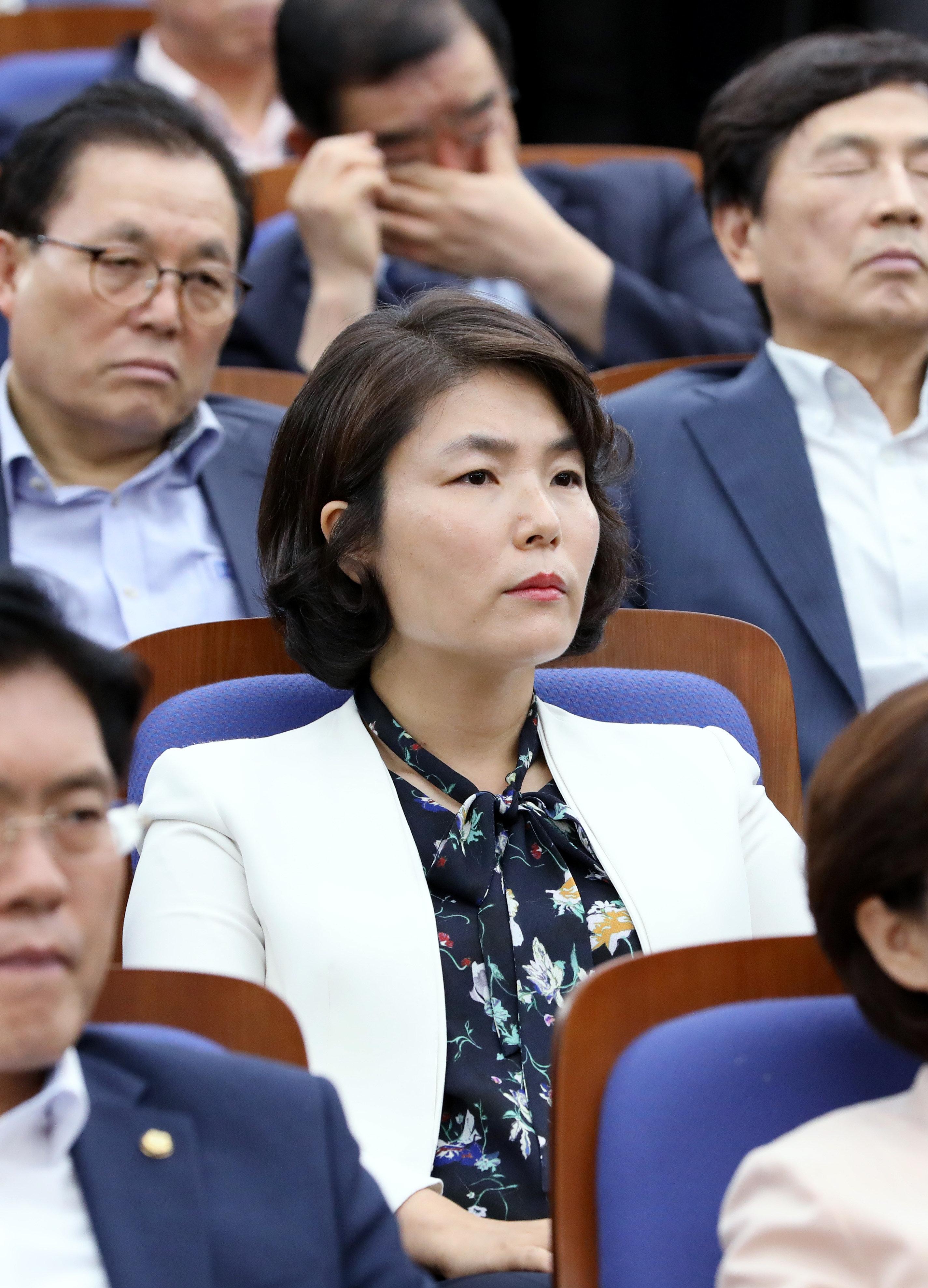한국당 비대위원장 후보 중 박근혜 탄핵 반대를 외쳤던 인물이 있다