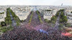 프랑스의 월드컵 우승 직후, 파리 시내는 그야말로 난리가 났다