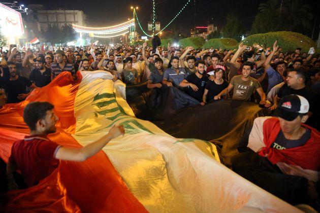 Μεγάλες διαδηλώσεις και νεκροί στον Ιράκ που ζει την δική του «Αραβική Άνοιξη» με επτά χρόνια
