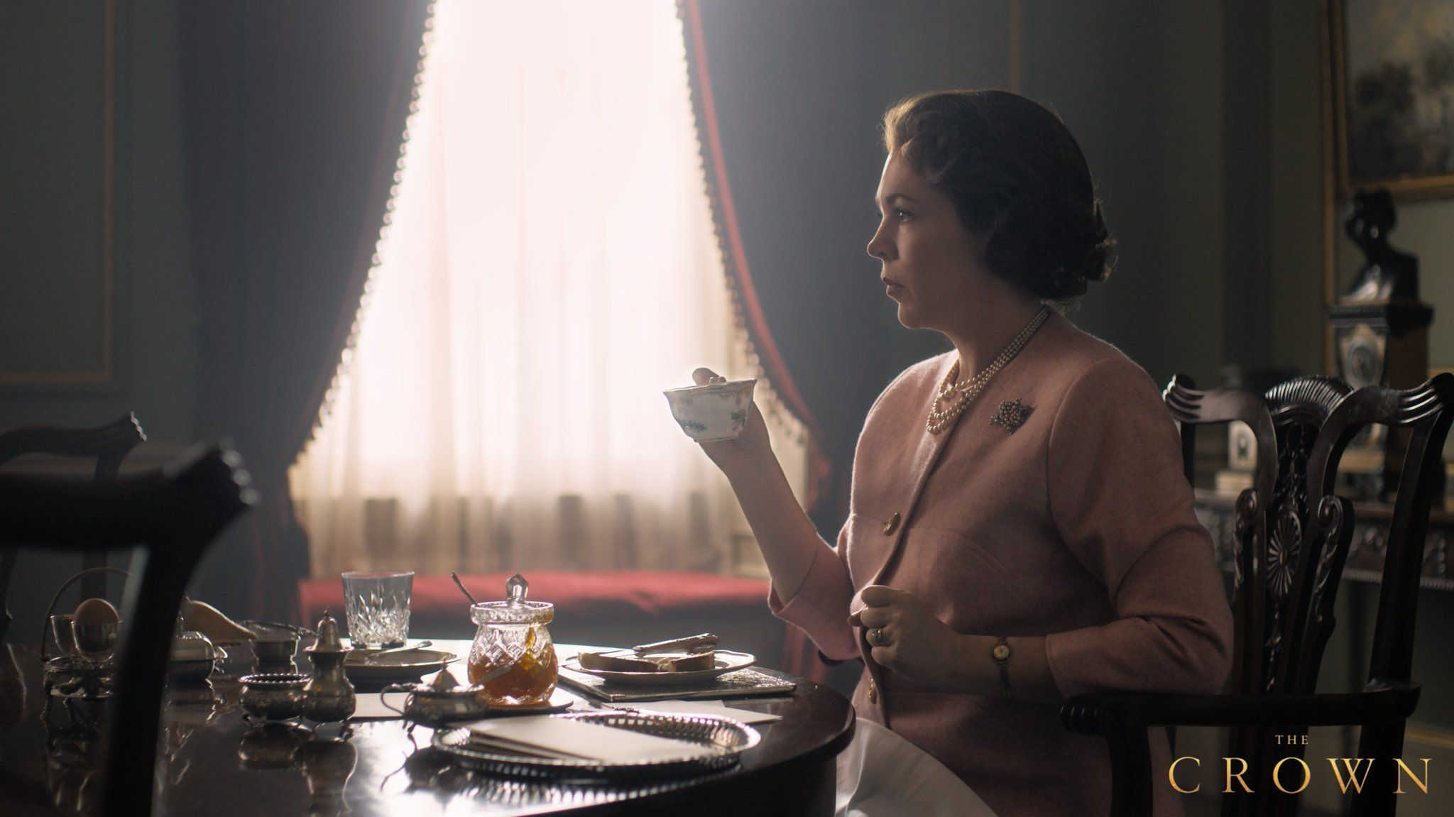 Netflix Shares First Photo Of Olivia Colman As The Queen In Series 3 Of 'The