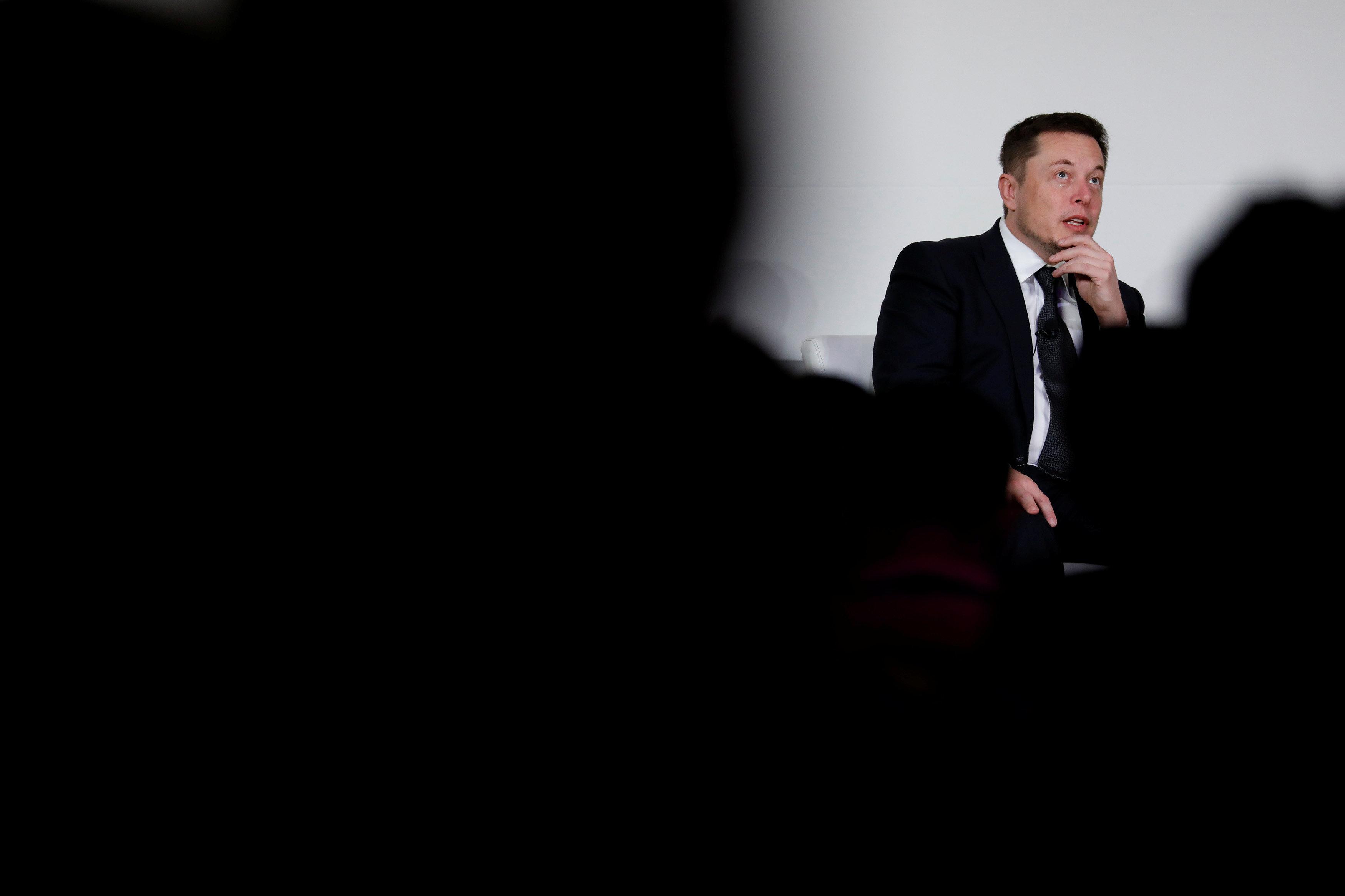 Ο Elon Musk αποκάλεσε «παιδόφιλο» τον αρχηγό της ομάδας διάσωσης των παιδιών στην Ταϊλάνδη επειδή...δεν χρησιμοποίησε το υποβ...