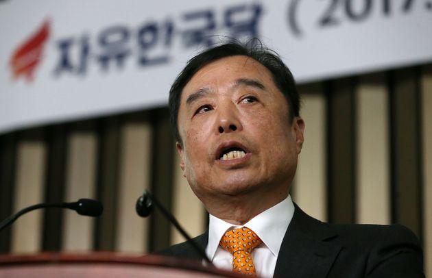 자유한국당 혁신비대위원장에 김병준 교수가