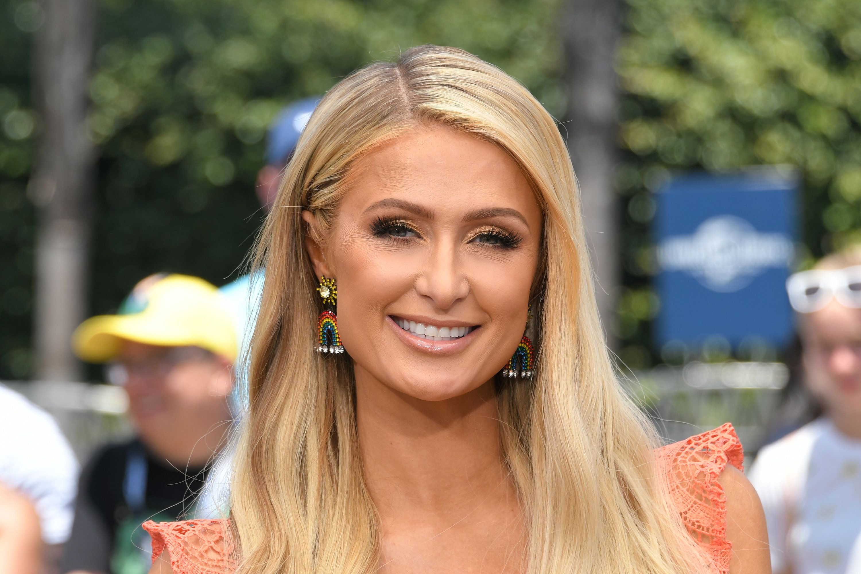 UNIVERSAL CITY, CA - JUNE 28:  Paris Hilton visits 'Extra' at Universal Studios Hollywood on June 28, 2018 in Universal City, California.  (Photo by Noel Vasquez/Getty Images)