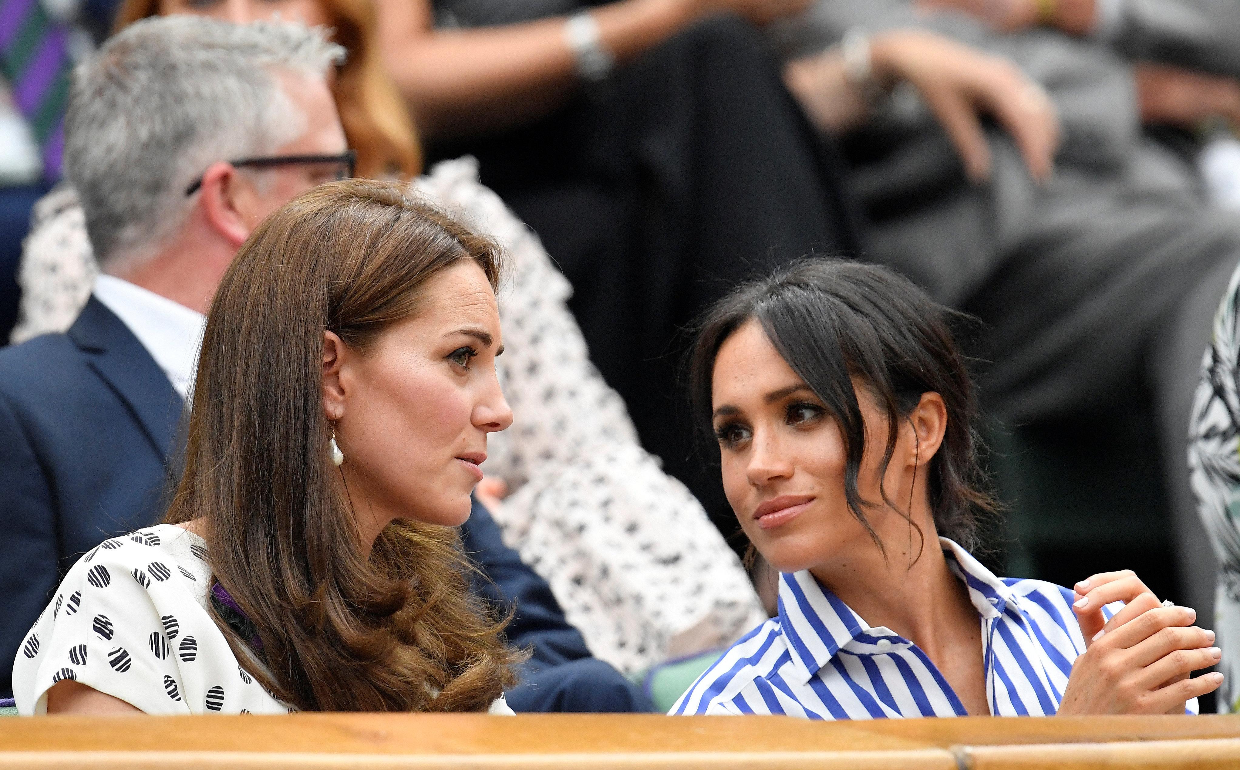 Körpersprache-Expertin verrät: So verstehen sich Meghan Markle und Herzogin Kate wirklich
