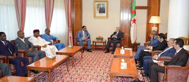 Ouyahia reçoit le ministre nigérien de