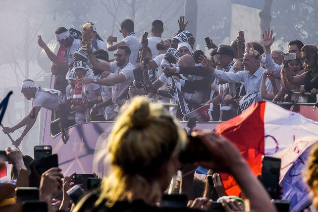 Με τιμές Ολυμπιονίκη υποδέχτηκαν τους νικητές του Παγκοσμίου Κυπέλλου στο