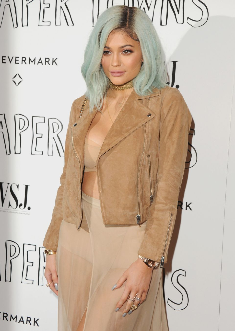 5d8e06cb03f44 47 Photos Of Kylie Jenner's Evolution As A Beauty Trendsetter ...