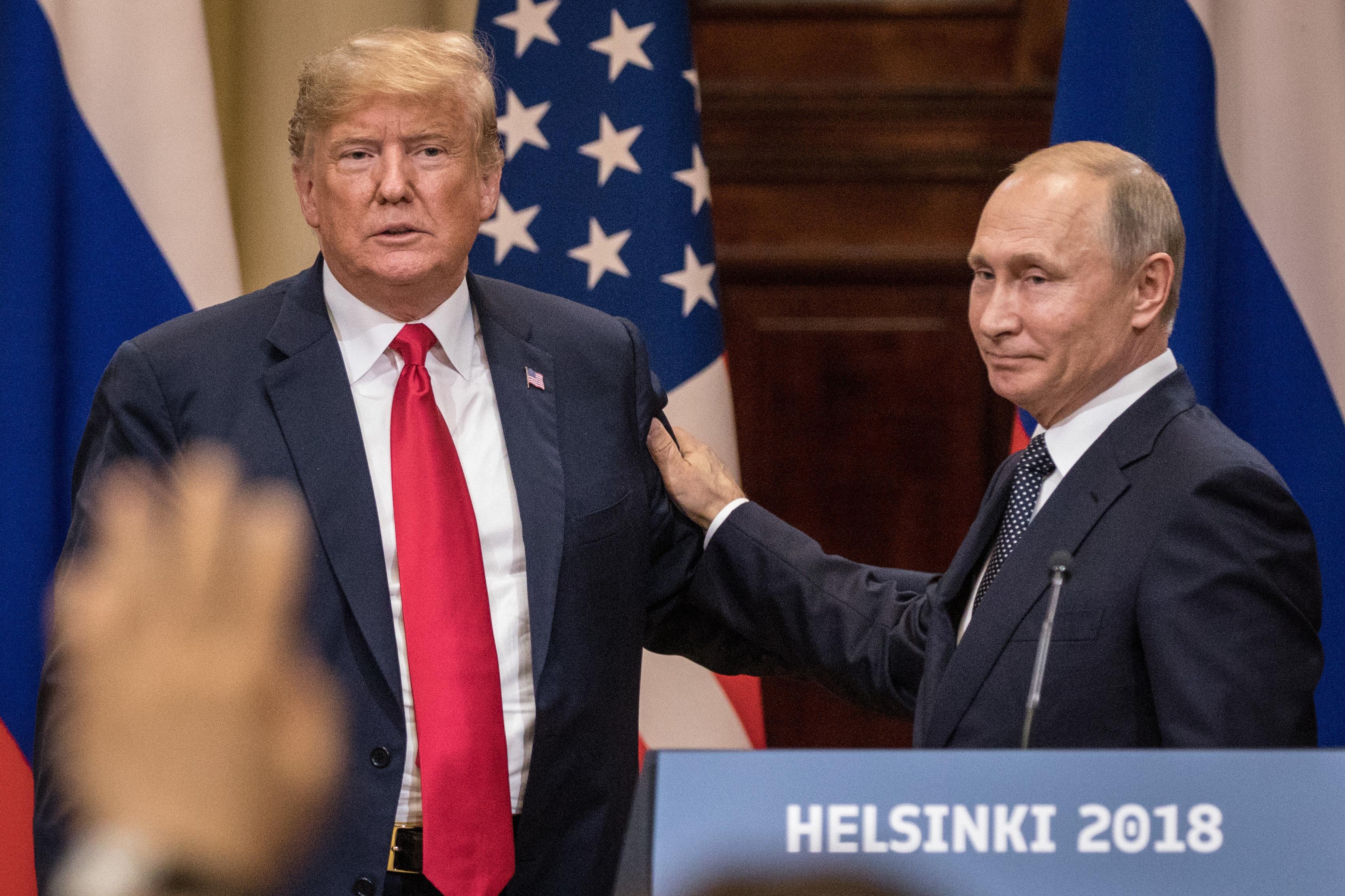 트럼프와 푸틴이 '대선개입'을 덮으며 '관계 회복'을 선언하다