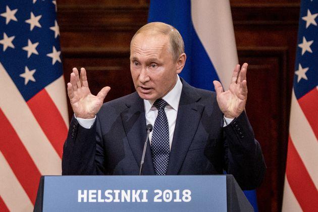 트럼프는 러시아의 대선개입을 규탄하는 대신 '우리 모두의 책임'이라고