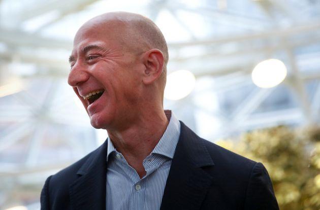 아마존 CEO 제프 베조스가 현대 역사상 최고 부자에