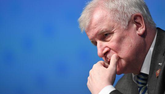 Top-News To Go: Grünen- und FDP-Politiker kritisieren Seehofer für Abschiebe-Irrsinn um Sami