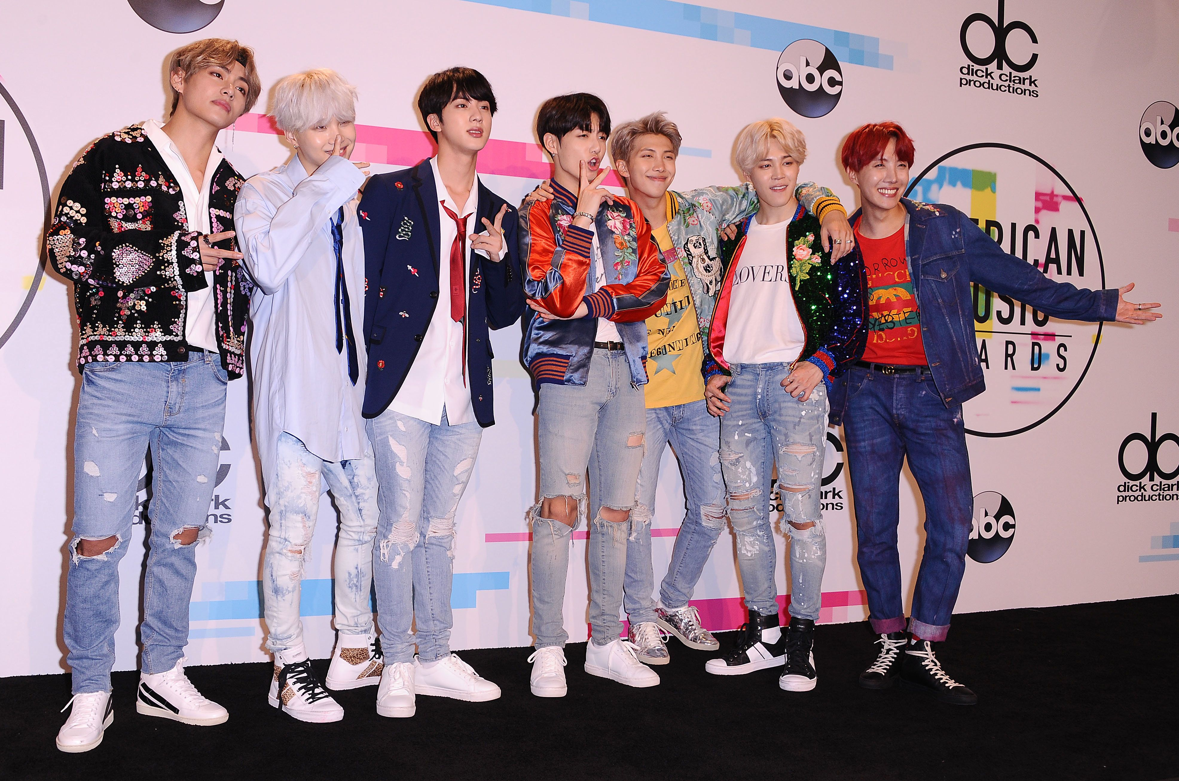 LOS ANGELES, CA - NOVEMBER 19:  BTS poses in the press room at the 2017 American Music Awards at Microsoft Theater on November 19, 2017 in Los Angeles, California.  (Photo by Jason LaVeris/FilmMagic)