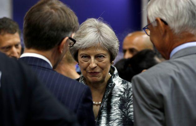 Brexit: May entgeht im Parlament nur knapp neuem