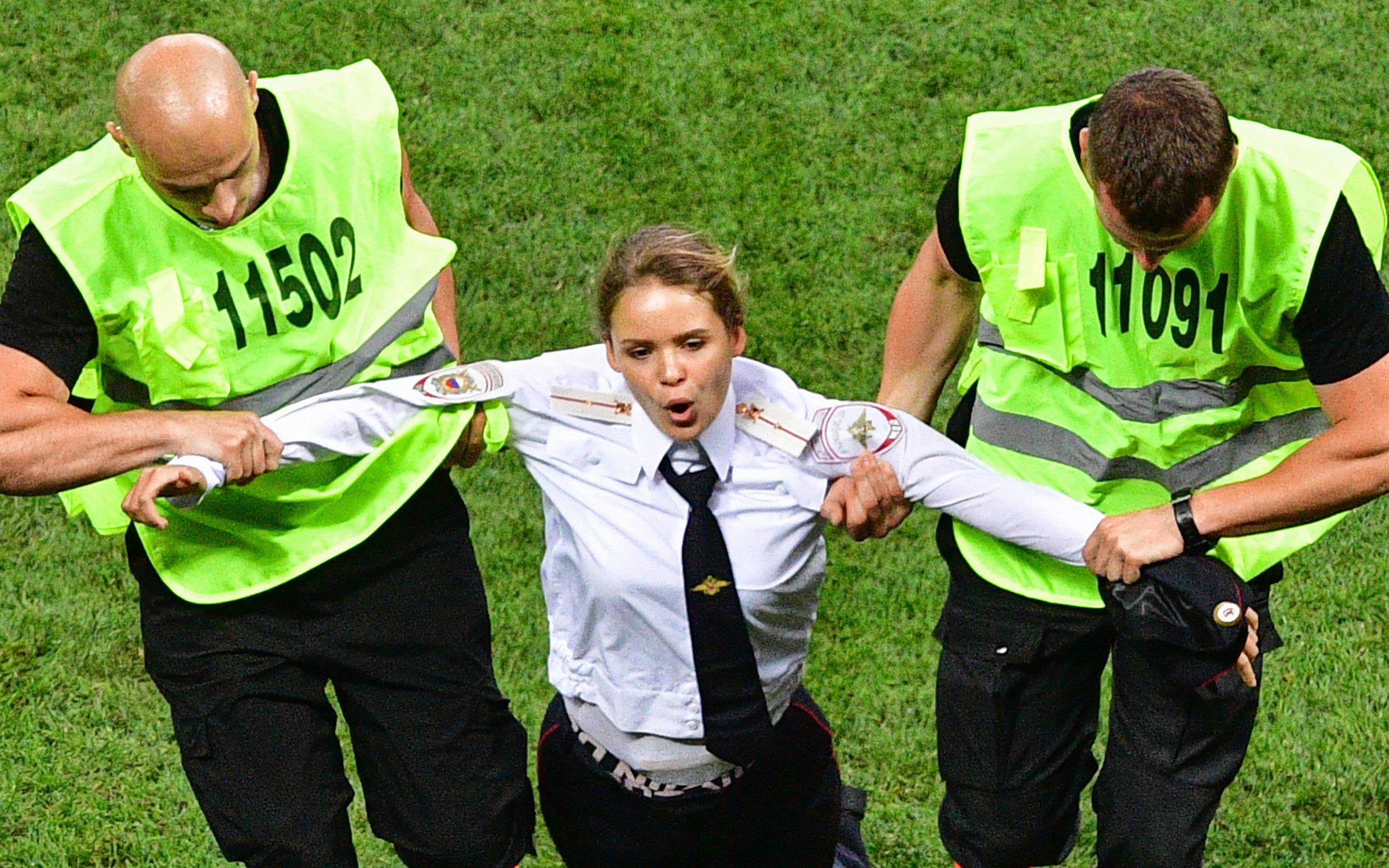 월드컵 결승전 난입했던 '푸시 라이엇'이 법원으로부터 받은
