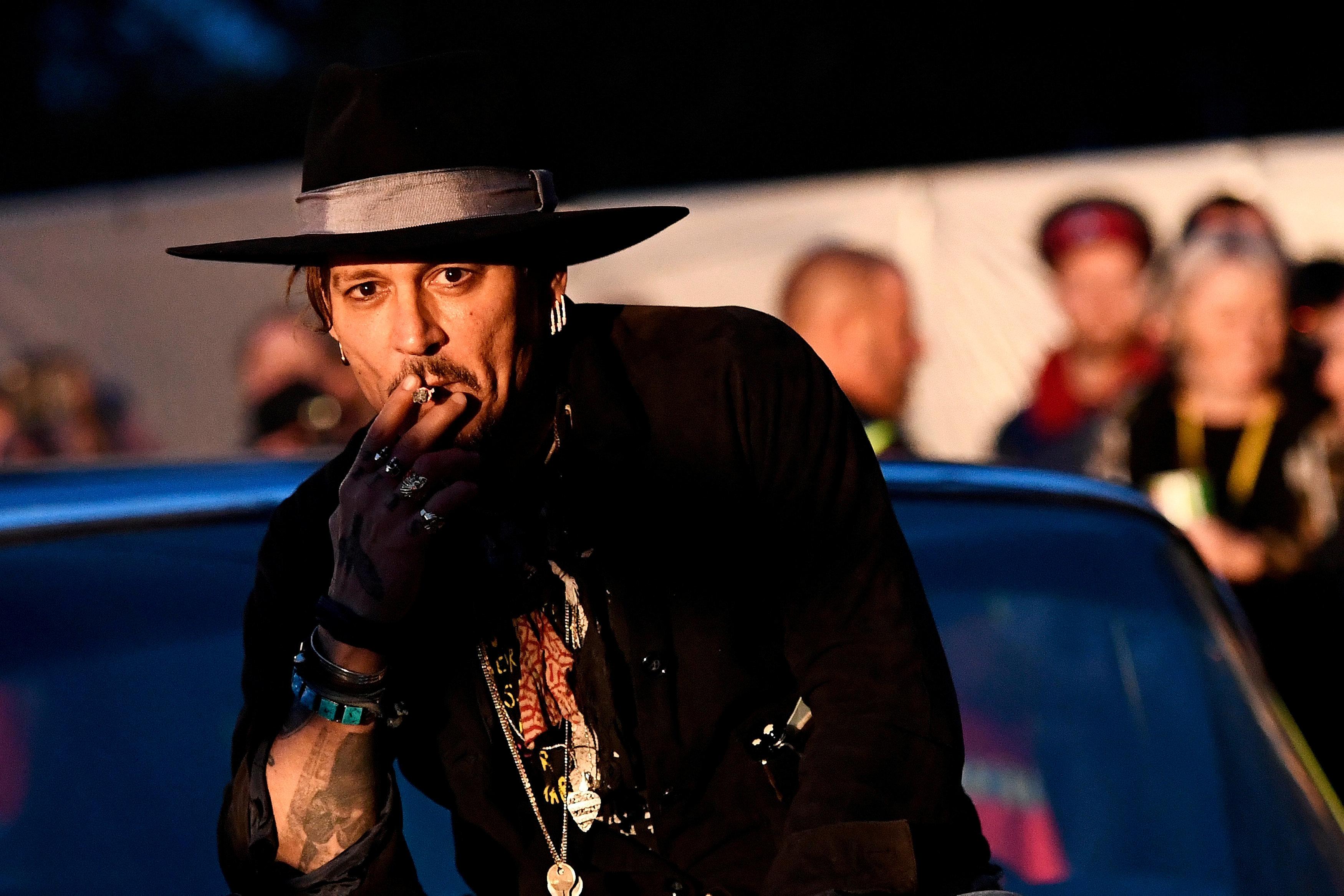 Η οικονομική κατρακύλα του Johnny Depp. Ξόδευε 2εκατ $ το μήνα (και 30.000 μόνο για