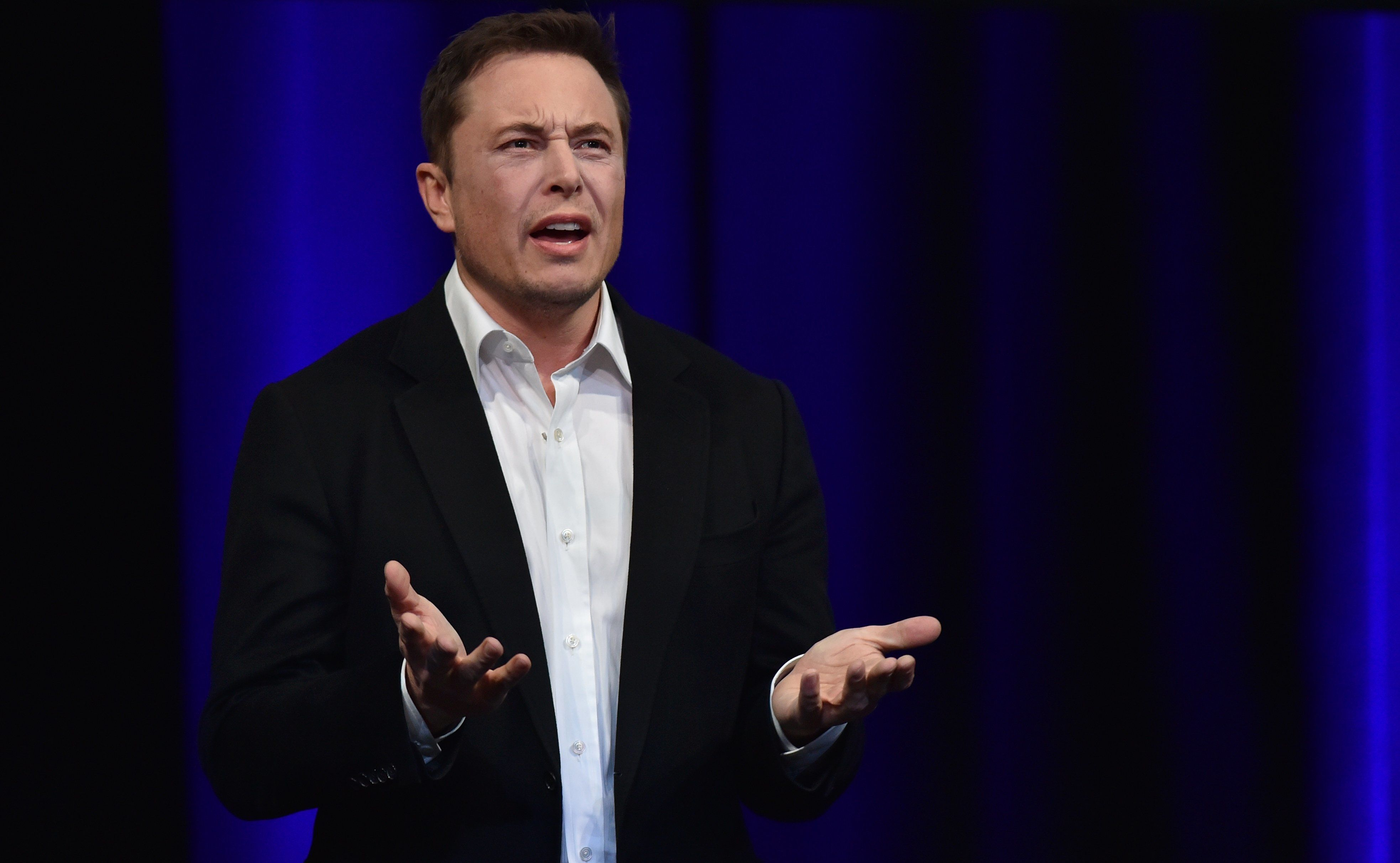 Elon Musk Apologizes For Calling Thailand Cave Rescue Diver A 'Pedo'