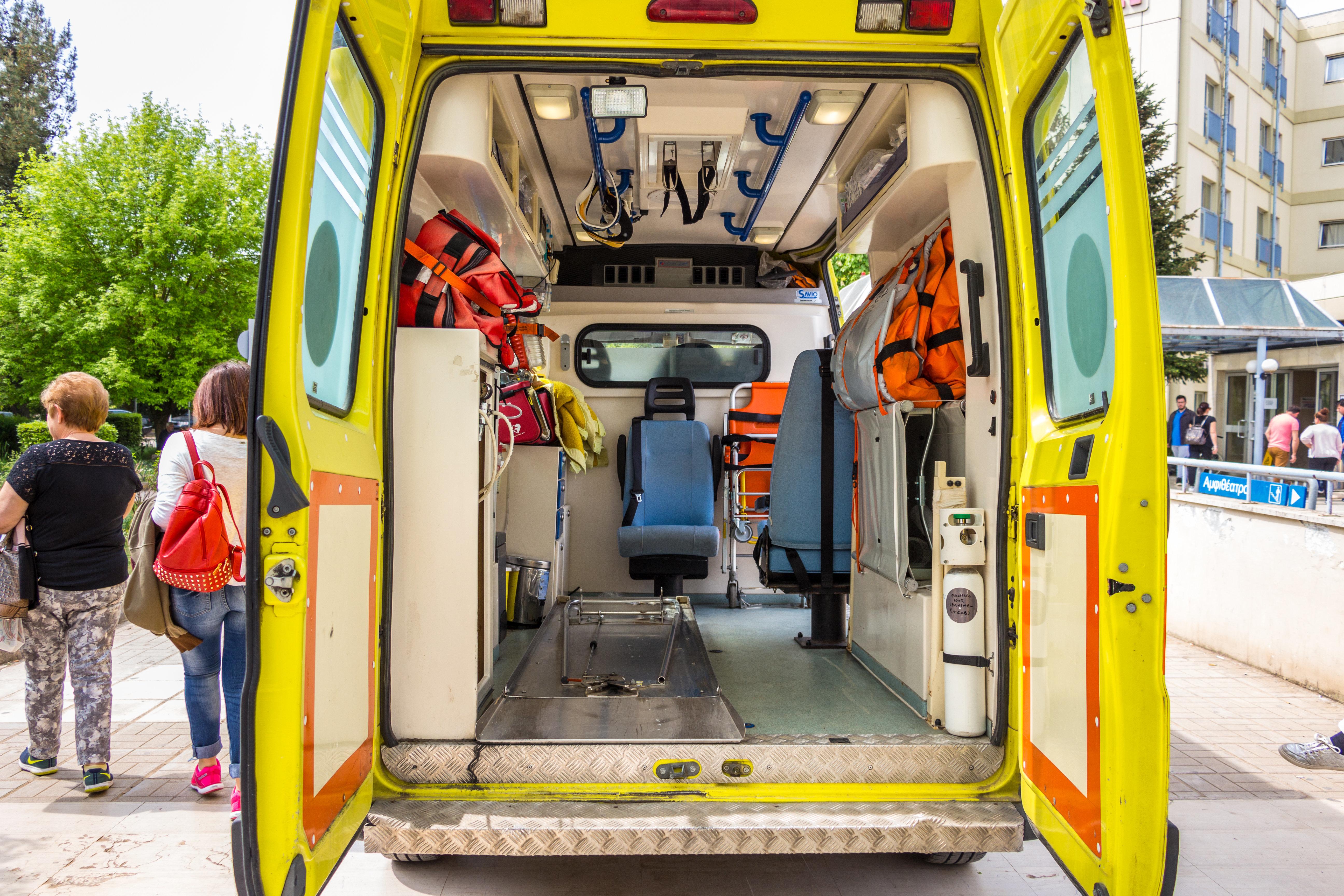 Πρόωρος τοκετός για τη μητέρα και σε κρίσιμη κατάσταση η 9χρονη που ενεπλάκησαν στο τροχαίο στο