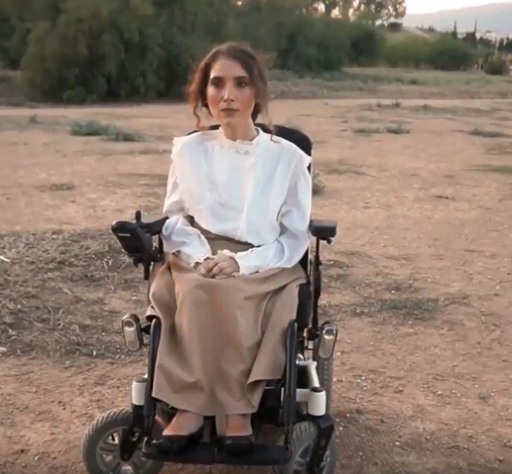 «Δεν γεννήθηκα να είμαι ένα με το μίσος»: Το Θέατρο Ατόμων με Αναπηρία ανεβάζει την Αντιγόνη του