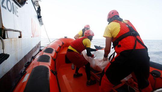 Βυθίστηκε πλοίο με 150 πρόσφυγες ανοικτά των κατεχομένων της