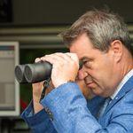Söder besichtigt die bayerische Grenze: Dieses Foto sorgt für