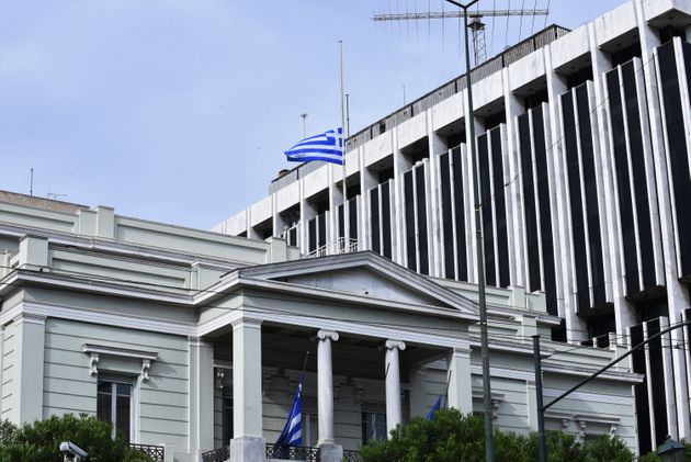 Το ελληνικό ΥΠΕΞ απαντά στη Μόσχα: Ουδείς δικαιούται να παρεμβαίνει στις εσωτερικές μας
