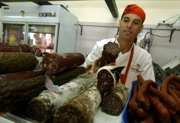 Huge Backlash In Austria Over Plans To Make Jews And Muslims Register to Buy Kosher-Halal