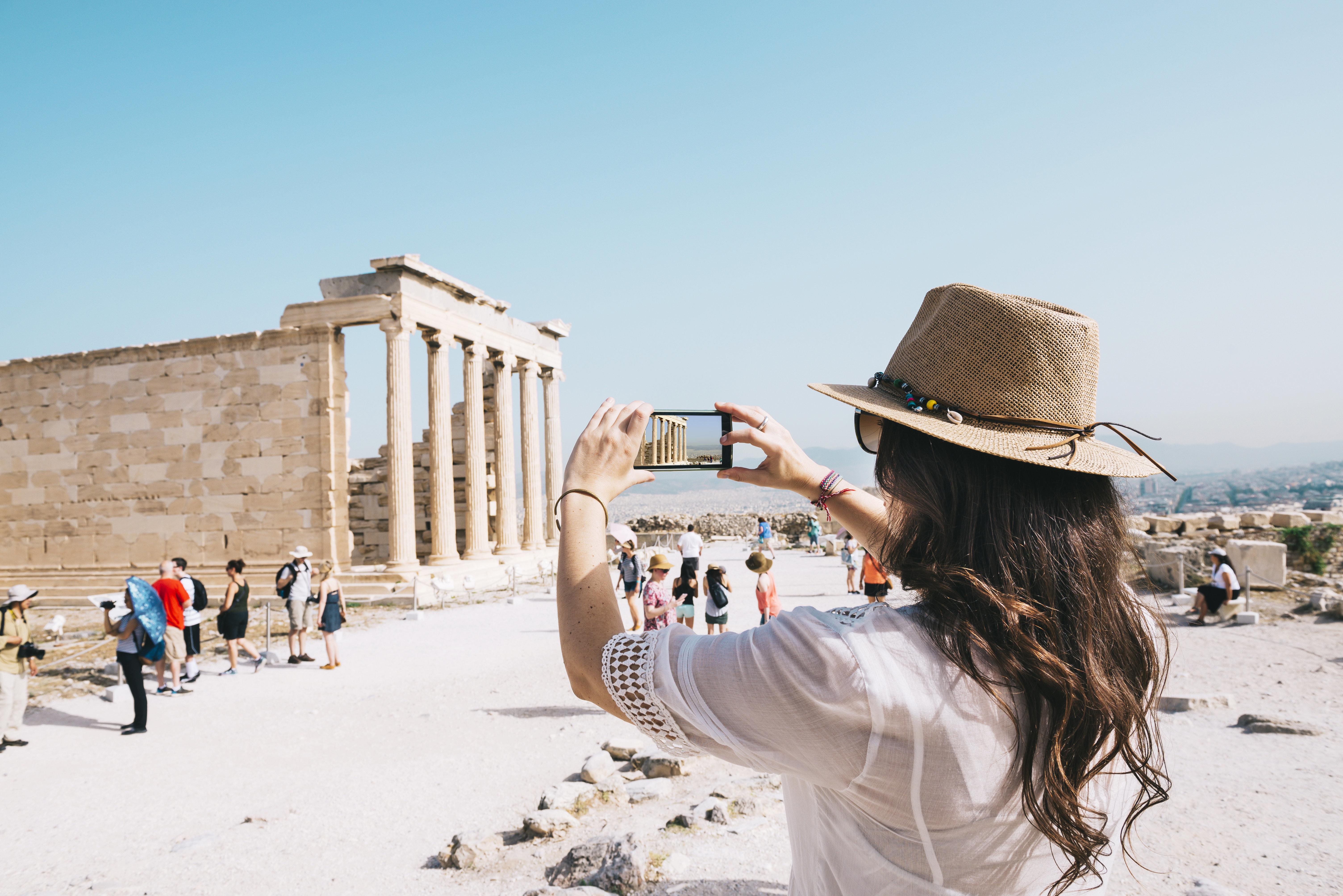 Θετική ανάπτυξη για τον ελληνικό τουρισμό το 2018. Μεγάλη αύξηση των εσόδων δείχνουν τα έως τώρα στοιχεία