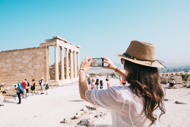 Θετική ανάπτυξη για τον ελληνικό τουρισμό το 2018. Μεγάλη αύξηση των εσόδων δείχνουν τα έως τώρα