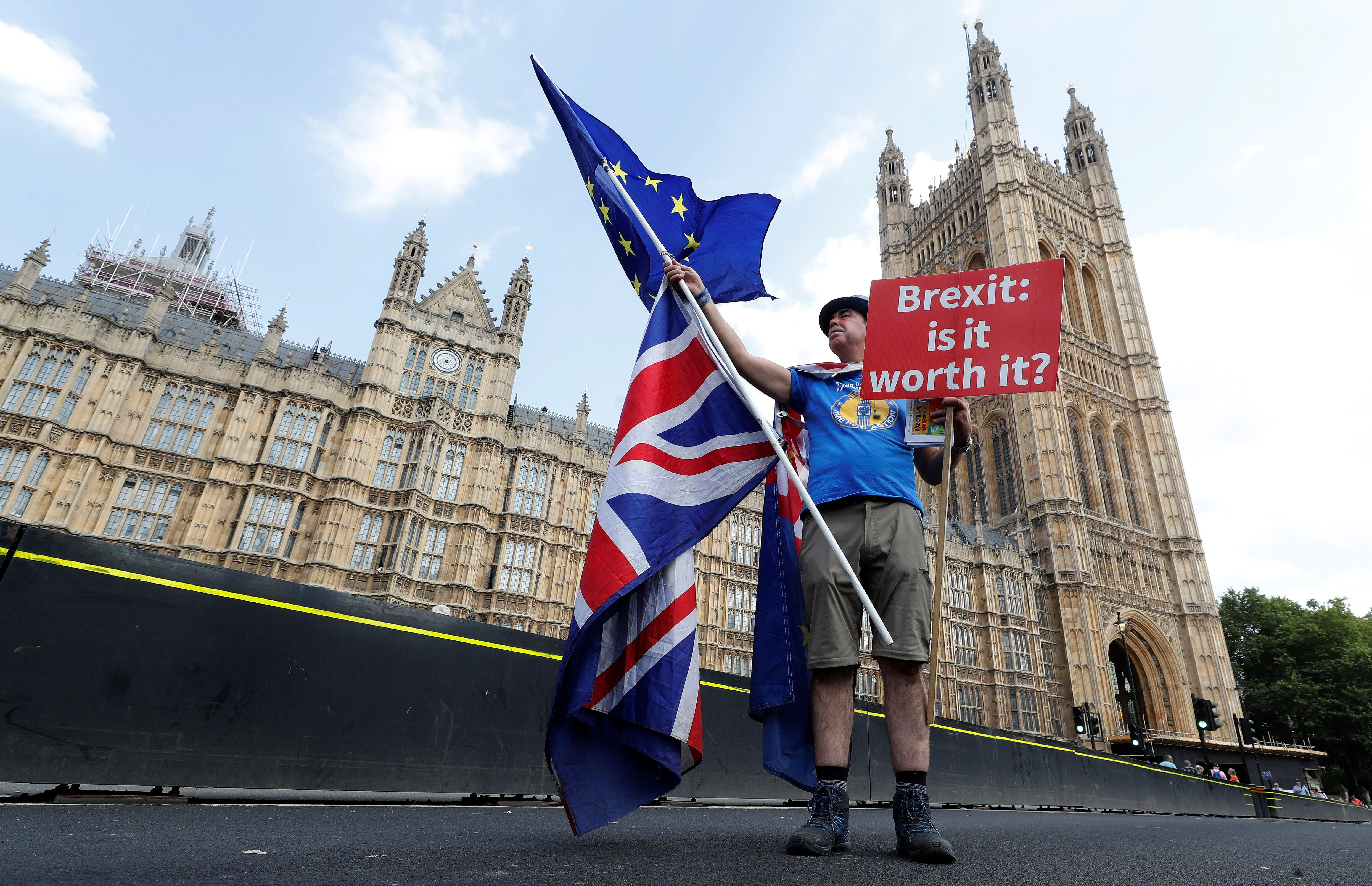Η Ευρωπαϊκή Επιτροπή καλεί τις χώρες-μέλη της ΕΕ να εντείνουν την προετοιμασία για το