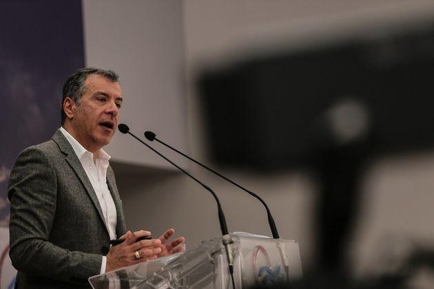 Στ. Θεοδωράκης: Δεν θα γίνουμε ιπποκόμοι