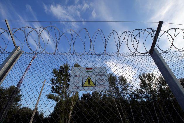 Στο Δικαστήριο της ΕΕ παραπέμπει την Ουγγαρία η Κομισιόν λόγω της νομοθεσίας της περί