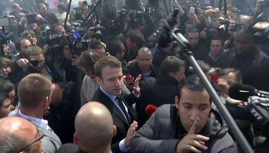Γαλλία: Σάλο προκαλεί ο ξυλοδαρμός διαδηλωτή από συνεργάτη του