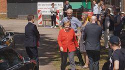 Kanzlerin Merkel besuchte Milchvieh-Betrieb in