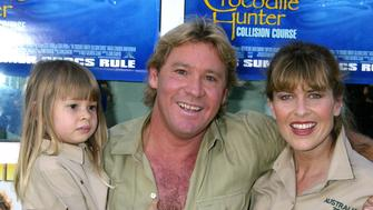 Steve Irwin, Terri Irwin, and daughter at the Arclight Cinerama Dome in Hollywood, California (Photo by Ron Galella/WireImage)