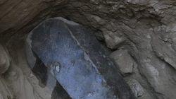 Mόνο τρεις σκελετοί βρέθηκαν στο εσωτερικό της τεράστιας σαρκοφάγου της