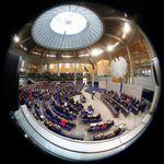 Union und SPD genehmigen Fraktionen Millionenzuschuss – Opposition ist sauer