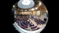 Union und SPD genehmigen den Fraktionen 27 Millionen Euro mehr – die Opposition ist