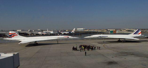 2001년 11월7일, 영국항공과 에어프랑스의 콩코드가 미국 뉴욕 JFK 국제공항에서 운항 재개 기념 행사를 갖는 모습. 콩코드는2000년 발생한 에어프랑스 4590편 콩코드...