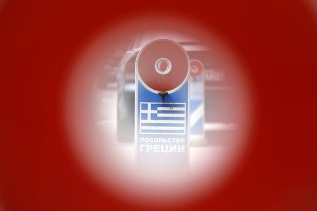 Υπερβολική η αντίδραση του ελληνικού ΥΠΕΞ δηλώνει ο ρώσος πρέσβης στην Αθήνα με «μπαράζ» αναρτήσεων στο