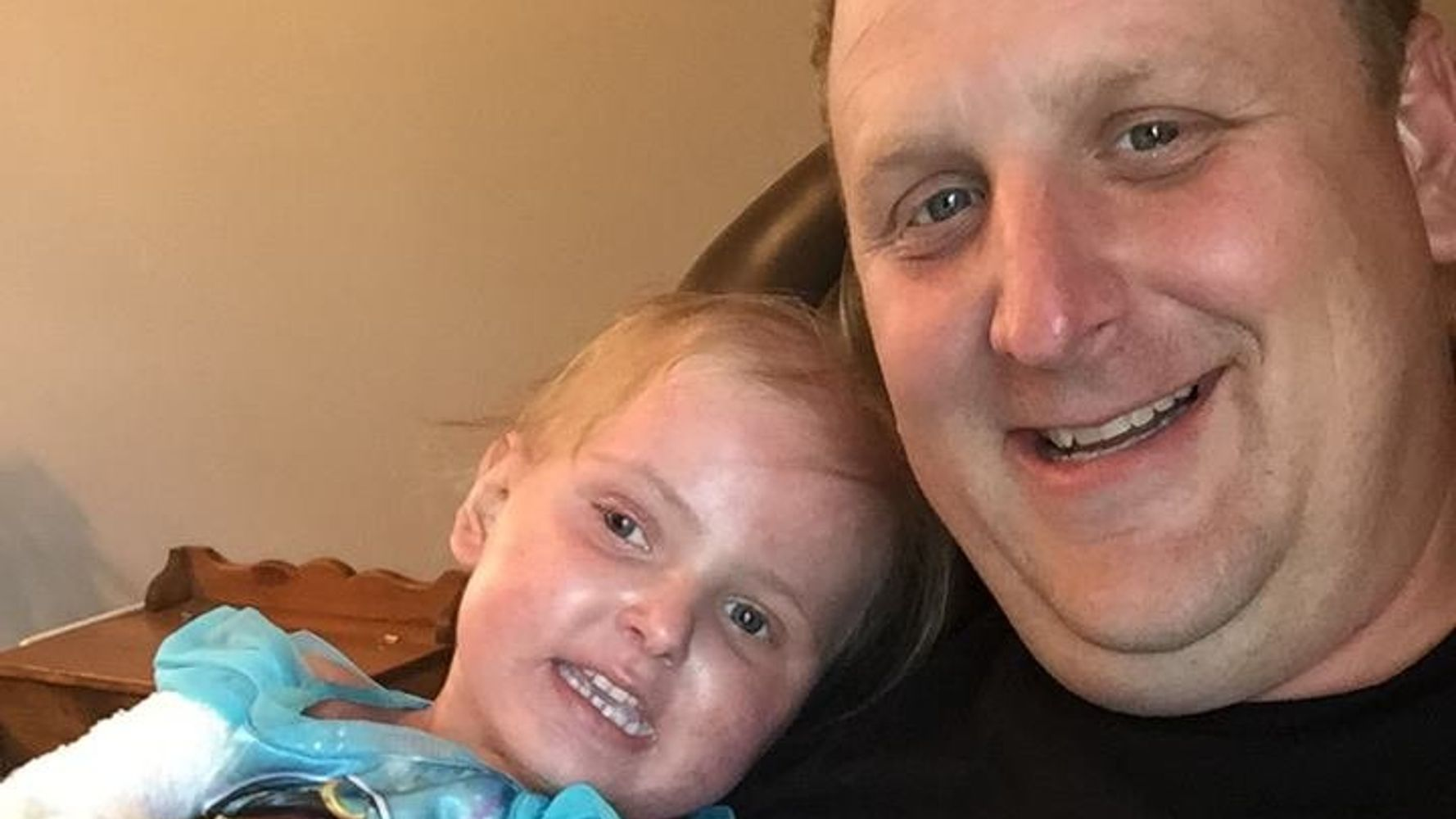 Dad Criticised For Carrying 6-Year-Old, Teaches Stranger Why You Shouldn't Judge Others
