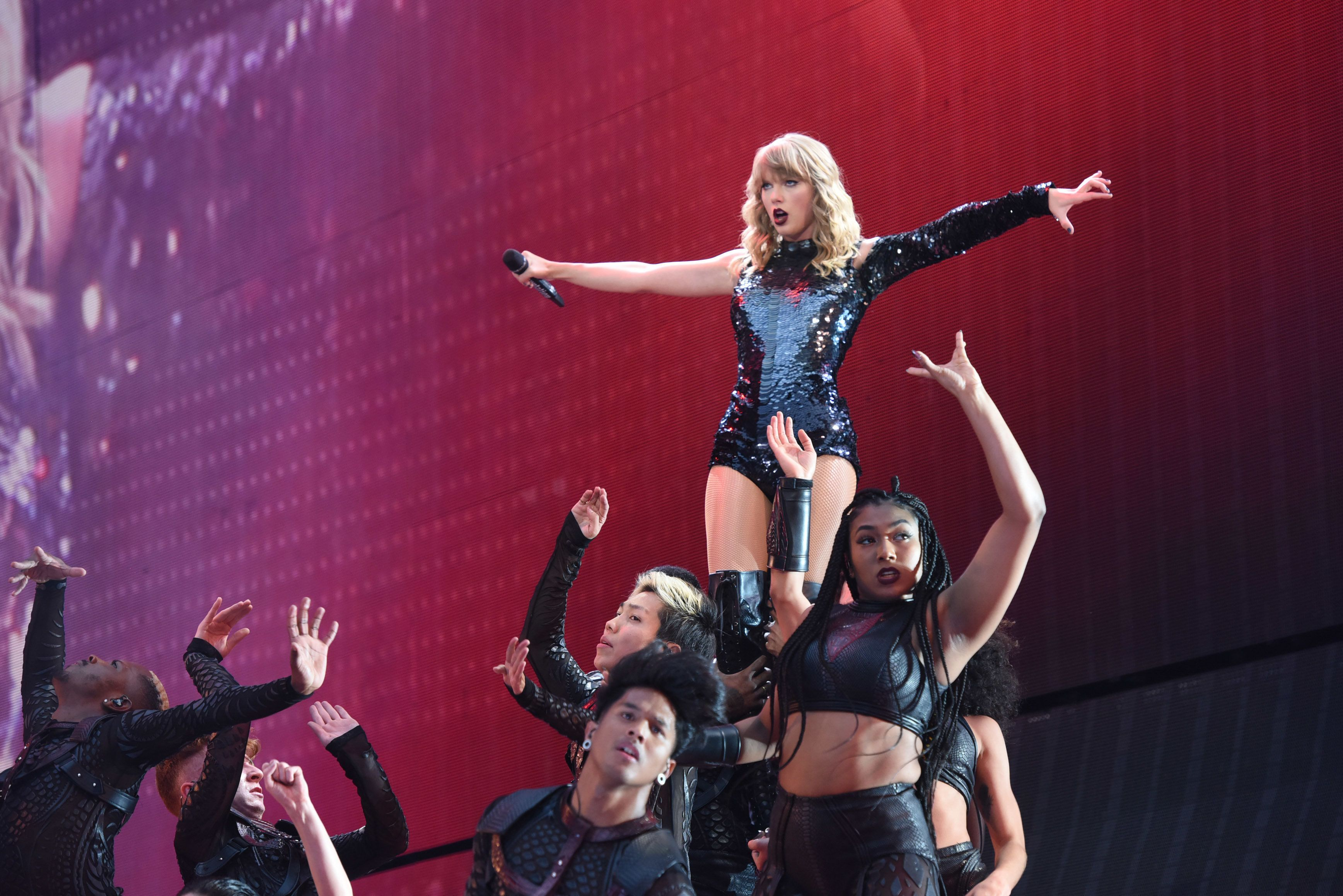 Taylor Swift in all-star film version of 'Cats'
