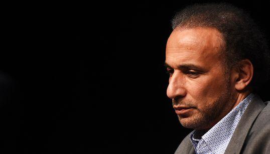 """Tariq Ramadan toujours mis en examen pour viols, """"de l'acharnement"""" dénonce la fille de"""