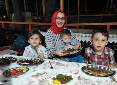 Νεκρή εντοπίστηκε στον Έβρο η τουρκάλα δασκάλα και ένα από τα τρία παιδιά της που