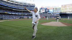 정운찬 KBO 총재가 뉴욕 양키스타디움에서 시구자로