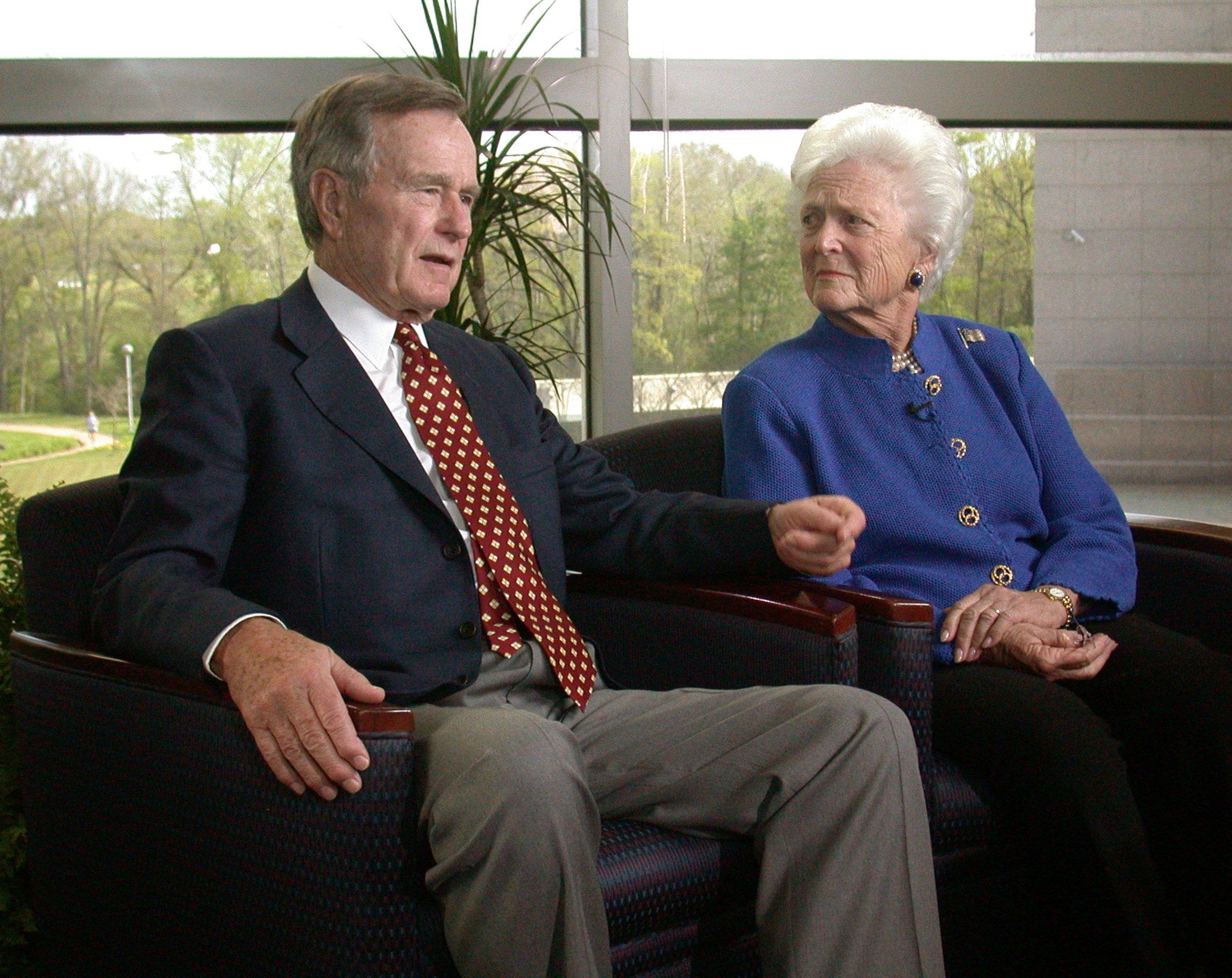 College Station, TX - 2003: (L-R) Former President George HW Bush, Barbara Bush interview for Good Morning America at the George HW Bush Presidential Library, on the campus of Texas A&M. (Photo by Ida Mae Astute /ABC via Getty Images)