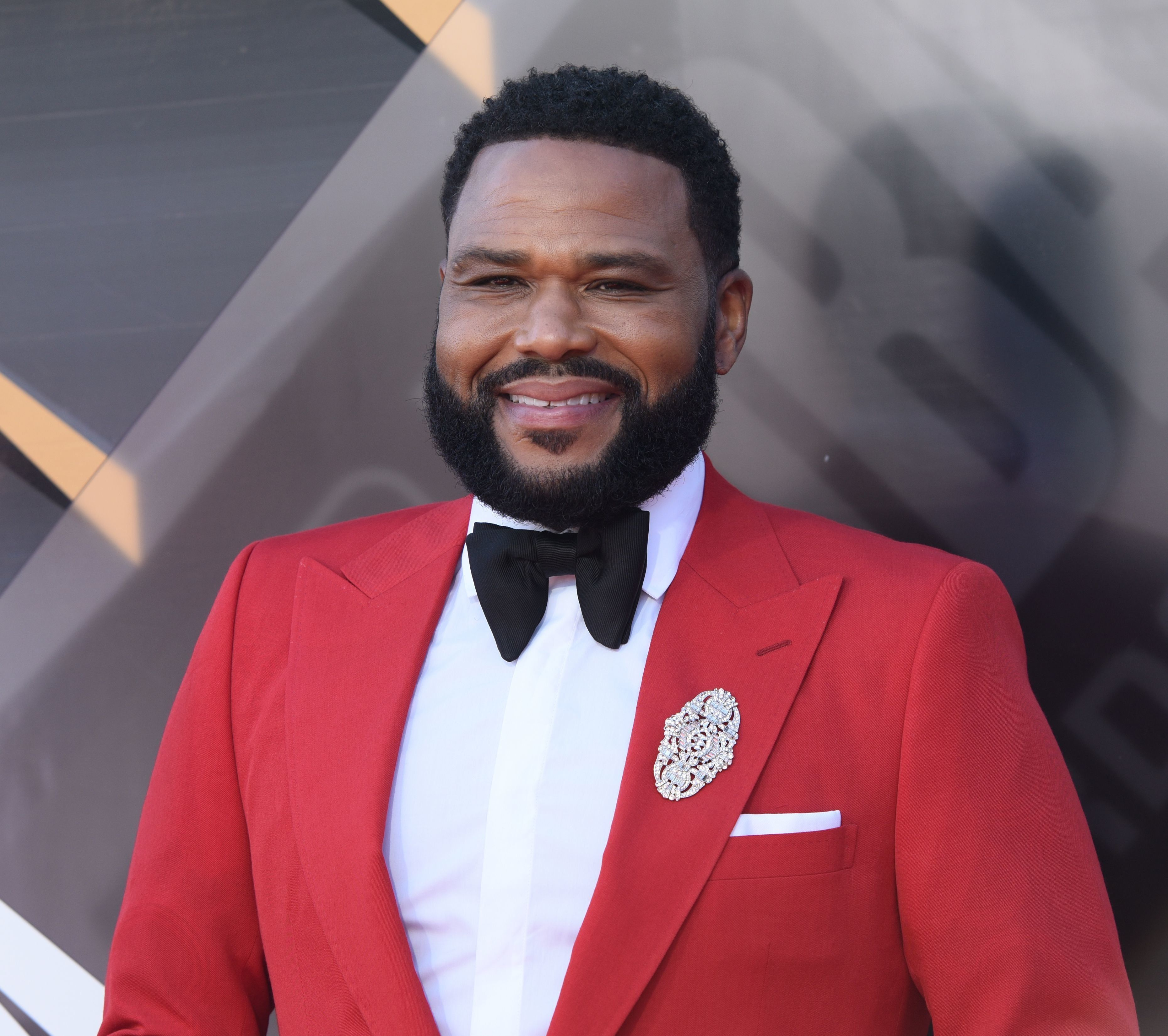 US actor and host of the awards show Anthony Anderson attends the 2018 NBA Awards at Barkar Hangar on June 25, 2018 in Santa Monica, California. (Photo by TARA ZIEMBA / AFP)        (Photo credit should read TARA ZIEMBA/AFP/Getty Images)